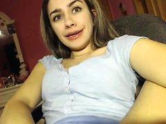 Amateur yungandwilling101 Arsch auf Live-Webcam zu blinken