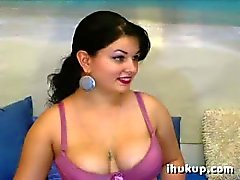 Nice Chubby Girl on Webcam - ihukup