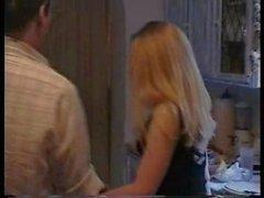 Блюза - день стирки Девушки по вызову Дженни отшлепали и заставляет пояс