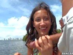 Der AMI Miley bietet Handjob großen dicked Fisher