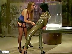 suomen porno shemale latex