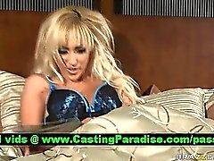 Breanne Benson atemberaubende Blondine Masturbieren