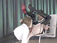 Super göz alıcı strapon yapay penis erotik filmi
