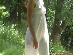 girlfriend strip in the garden