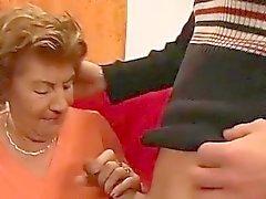 mamães de primeira Orgias gangbang