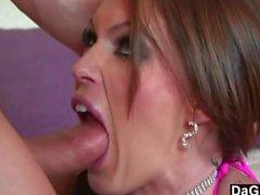 Busty Babe Drosseln auf Dick