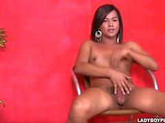 Katrina Eine asiatische Shemale Ladyboy in Cutie Chubby