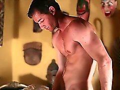 Sara Sloanen hoitotyötä kukko Psyko porno parodiassa