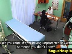 dei pazienti patrimonio doggystyled durante il controllo