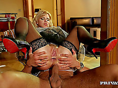 Coarse anal sex Blond Maid anal sex
