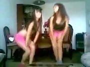 Двое Hot Girls подростков танцы