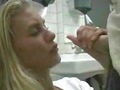 Tobys Blowjob auf Toilette dates25com