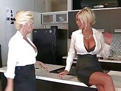 Di euro babe Puma Swede scopa il l' Slut per ufficio !