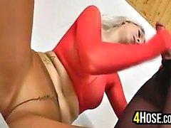 Blonden Luder tragender Pantyhose