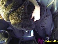 Braun vollbusigen brit Einblasen uniformierter Polizist