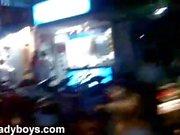 NikkiLadyboys Пхукет Таиланд на открытом воздухе Fun с транссексуалами