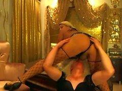 Mysterr - Busty Транссексуалы Kralice Дениз трахает Sissiboi