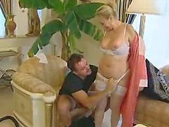 Tornedalen tyska Cleaner Granny Gets Anal By Young Boss