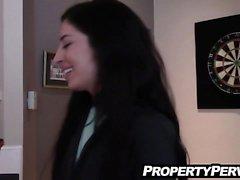 agente imobiliário preso sendo vídeo escolta cliente sexo