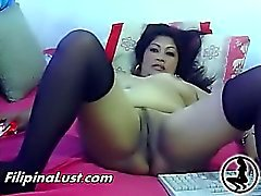 Chubby asiatische Dirne fucking sich
