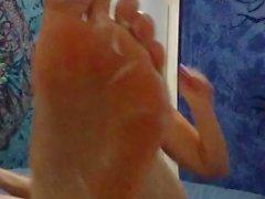 goth pawg rubs feet