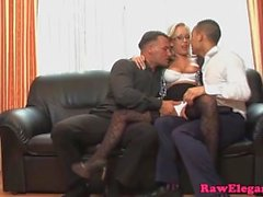 Sexig Jessica Moore i Analys Threesome action