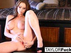 Emily Addison y Taylor Vixen Fetiche de pie