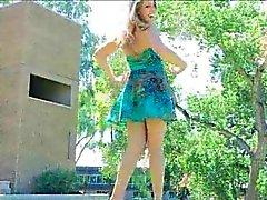 Magnifique Veronica Adulte Porn dans une robe été bleu mignon de