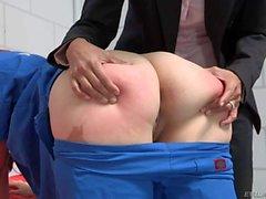Grandi ass ragazza Jodi di Taylor arriva anale punite