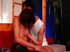 Asiaboy Hans Jake che bacia e Fellazioni