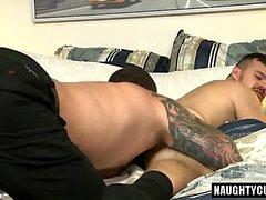 Brunetta figlio sesso hardcore anali con sborrata