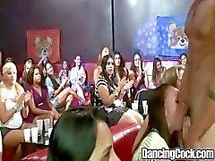 Dancingcock Pulserende Cock BJ orgie
