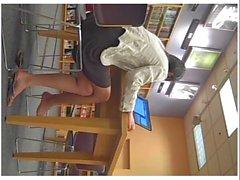 Istantanea Piedini Adolescente asiatica Dangling di Pt 3 ( shoeplay )