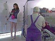 Festande voluptous är teen provocera Oldman i knulla henne