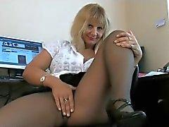 oude secretaris vormt in panty