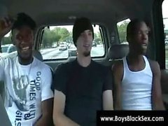 Siyahlar Thugs Breaking Aşağı Sissy The White Boys Sert 01