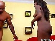 Ebony geile Schlampen mit nice ass Reiten