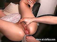 Gigantic fuck bouteille de vaginal et fist destruction