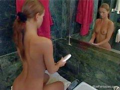 Heiße ass Susanna Stangen ruft mit im Badezimmer bloßen gefilmten