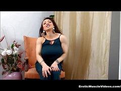 EroticMuscleVideos - Cestini muscolari FBB di BrandiMae