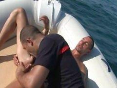 pompiers français baisent sur la mer