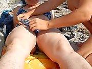 Behaart fälligen auf den Strand