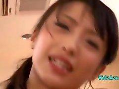 Asyalı Kız Sucking kendini parmaklıyorRoo yılındaHalı Mankenler Dildo üzerinde Binme