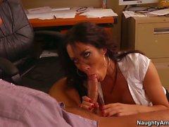 Office babe Capri Cavanni heys diggystyker aftre blowjob