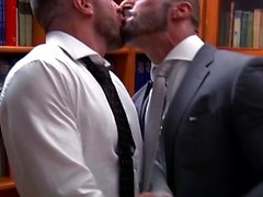 Muscle fetiche gay e Ejaculação