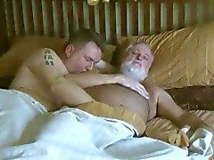 vaknar upp daddy björnen