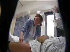 Un'infermiera scatti japanese cock in cam in diretta HA NASCOSTO