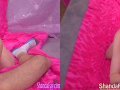 Domestiche Mature Shanda Fay succhia cazzo indossa rossetto!