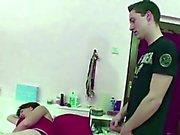 Momentissa juuttunut vaiheen - Poikansa työntö ja auttaa Häneen Vakavimmat Haista