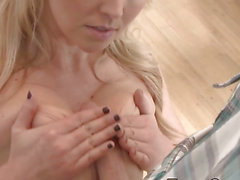 Breasty blonda tit copulates